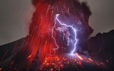 Sakurajima Volcano with Lightning #photography #volcano