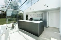 The Glass House by AR Design Studio Photo