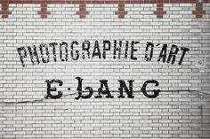 www.ilkflottante.com | Lifestyle & chai tea. #paint #street #decay #typography