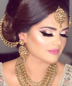 Shimmer Look with Winged Eyeliner Styles