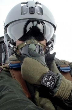 bell-and-ross-fall-winter-2010-12-844x1280.jpg 844×1,280 pixels #belle #and #ross #aviation #fighter pilot