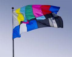 tumblr_kyk53guNJp1qz4mspo1_500.jpg (JPEG Image, 500x395 pixels) #installation #television #flag #smpte #design #color #bar #art