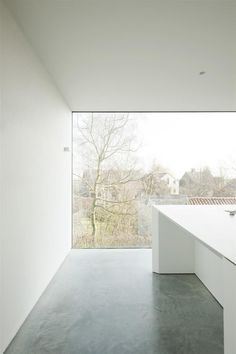 Frameless window. House DZ by GRAUX & BAEYENS architecten. © Luc Roymans. #window #modern #concretefloor
