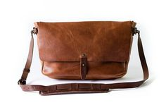 The Vintage Messenger Bag #bag #leather