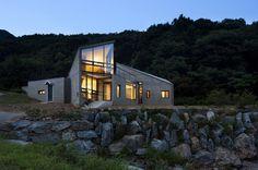 Petit Mont by Chiasmus Partners #minimalist #house