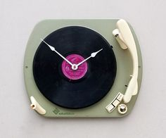 Clock created from a recycled Telefunken record by pixelthis #creative #design #player #record #product #music #clock