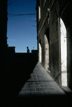 Alex Webb ITALY. Cagliari, Sardinia. 1998. A view of the Castle Quarter.