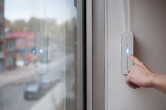 Tired of constantly having to open and close your window shades? Motorize them in seconds with Axis Gear! #productdesign #industrialdesign #