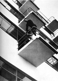 Variazioni #bauhaus #black #balcony
