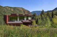 Steel House Perched on the Edge of a Beautiful Canyon in Colorado