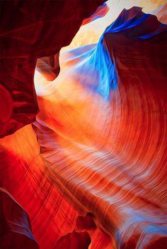 Photography by Gregory Boratyn #rainbow #canyon