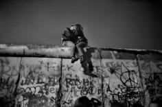 Berlin near the Brandenburg Gate 1989. Photograph by Guy Le QuerrecMagnum.