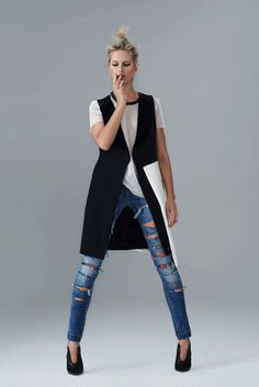 Karolina Kurkova by Eric Guillemain for S Moda Campaign #fashion #model #photography #girl