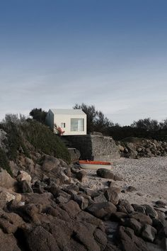 FREAKS Has Refurbish a Concrete Fishing Shack Built in the 50's on a Rock 1