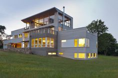 Fishers Island House is a Prefabricated Home Composed of Eight Lego-like Boxes 16