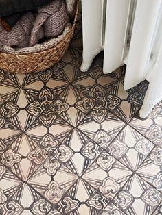 sara lindholm:Interior design #interiors #pattern #floor