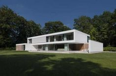 60′s Bungalow Completely Transformed Into Modern House in Bruges