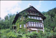 Wonderful Austria | Triangular Love. #house #austria #nostalgic #triangle #lake #mountains #love
