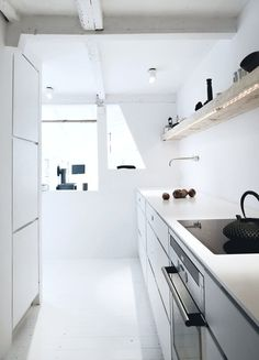 Kitchen. Vedbæk House I by Norm.Architects. #kitchen #vedbækhousei #normarchitects