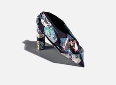Origami shoe #gianvitorossi #invite #origami #fashion #print #foil #hologram