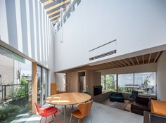 K2 House by AAE