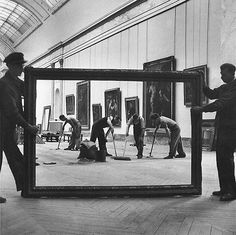 silfarione: Workers at The Louvre, Paris. Photo by Pierre Jahan. 1947. #cleaning #frame #photo #museum