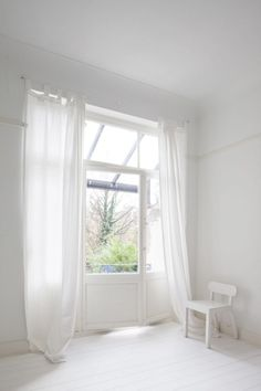 White transitional space. House MB by B-bis architecten. #curtain #white #transitional