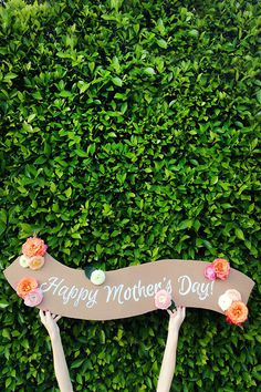 DIY Fresh Flower Banner #typography #poster #do it yourself #shop window