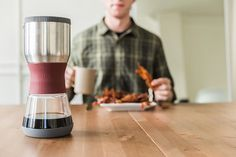 The Duo Coffee Steeper promises a simple coffee experience with the french press without the mess! #design #product #modern
