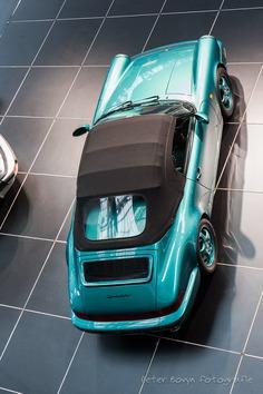 Porsche 911 Speedster - 1993 by Perico001 Porsche 964 3.600 cc Flat 6 250 HP Vmax : 260 km/h 0-100 km/h : 5,7 sec 942 ex. Exposition : Porsche 70 Years 14/12/2018 - 27/01/2019 Autoworld www.autoworld.be Brussels - Belgium January 2019...
