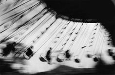 Ernst haas london festival garden, ostende, c.1950 #photo #carousel #motion