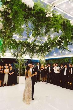 Wedding Songs - wedding first dance - Photographer: Raspberry Robot