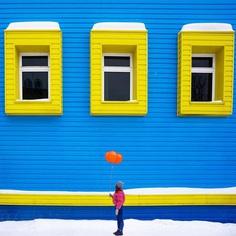 #minimal_perfection: Minimalist and Colorful Street Photography by Ilya Voroshilov
