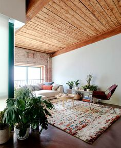 General Assembly Transform Industrial Space into Loft - InteriorZine