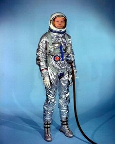 File:Neil Armstrong in Gemini G-2C training suit.jpg - Wikipedia, the free encyclopedia #neil #nasa #space #armstrong #suit
