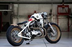 'Look Right' by DP Customs | GBlog #cycles #custom