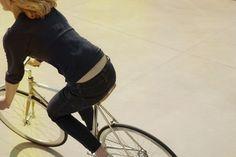 tumblr_m1ot5lXdXB1qzyb10o1_1280.jpg (1024×683) #hipster #fixed gear #bicycle #hot