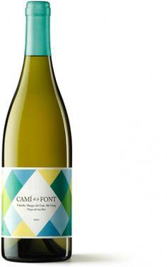 Txell Gràcia / Camí de la Font #typography #packaging #drink #geometric #wine #label #geometry #pattern #bottle #txell gracia #cami #de #l
