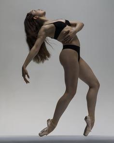 Breathtaking Ballet Photography by Nisian Hughes
