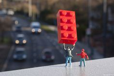 Slinkachu_little_people_street_art_1 #miniature #diorama #art