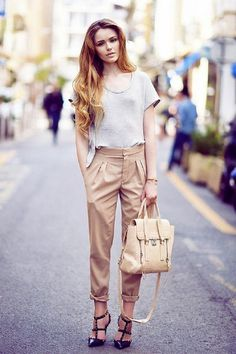25 Trendy Office Outfit Ideas for Hot Days