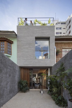 Casa Piraja in Sao Paulo Renovated by Estudio BRA