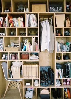 Piccsy :: Japanese Closet #workspace