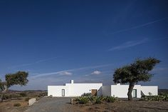 Grandola House Located in a Vast and Arid Landscape of Portugal 17