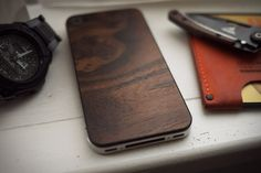 SOLITUDE #cover #iphone #wood