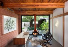 1954 One-Story House Renovated by Tobin Smith Architect in San Antonio, Texas 4