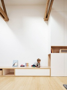 An Old Painting Studio in Paris Turned into a Minimalist and Bright Loft 4