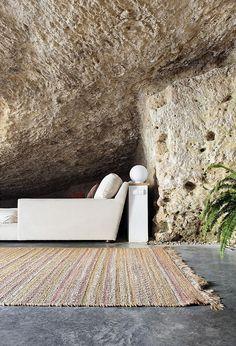 Cave House in Cordoba, Spain / UMMO Estudio