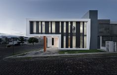 Impressive Z-Shaped House in Mexico by NonWarp