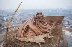 guan yu statue, china